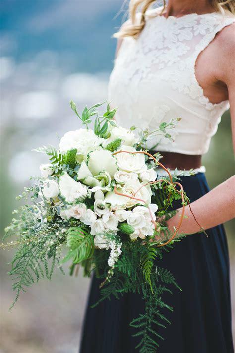 Simple-BridalBouquets