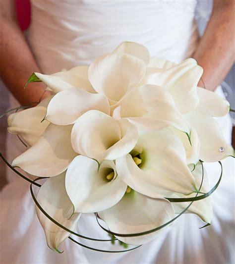 Simple-Calla-LilyWedding-Bouquets