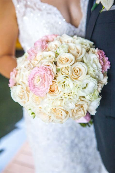 Simple-DIYWedding-Bouquets