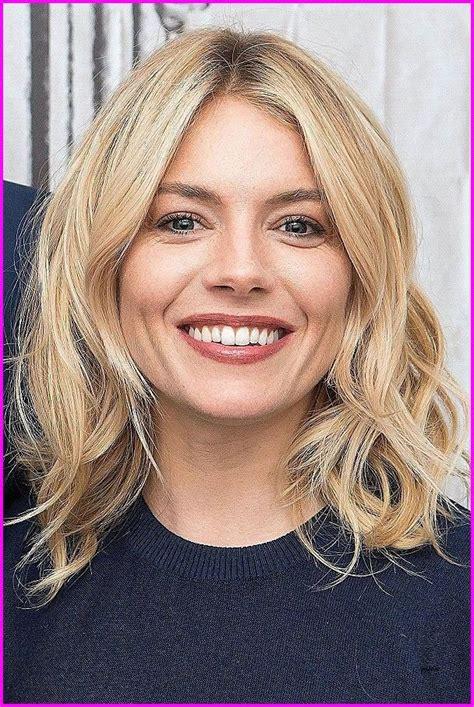 Simple-MediumLength-Hairstyles