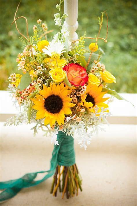 Sunflower-BouquetCountry-Wedding