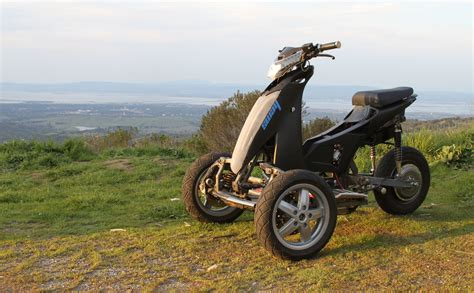 Sway-3-Wheel-Electric-Scooter
