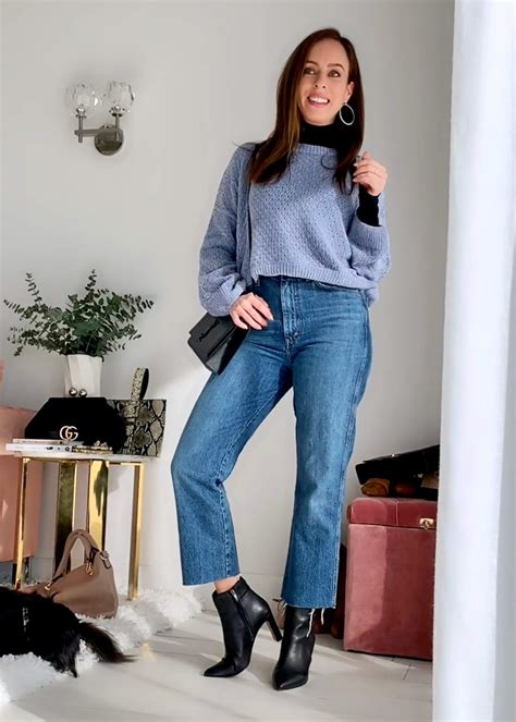 Sweater Jeans Outfit Idea