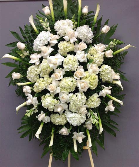 Sympathy-Flower-Arrangementsfor-Funeral