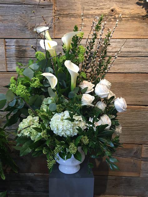 SympathyFlowers-Funeral-Arrangement
