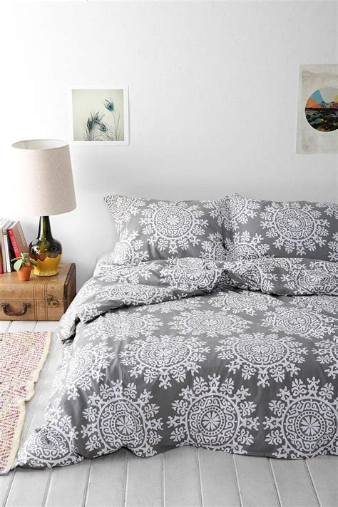 Urban-OutfittersBedspreads