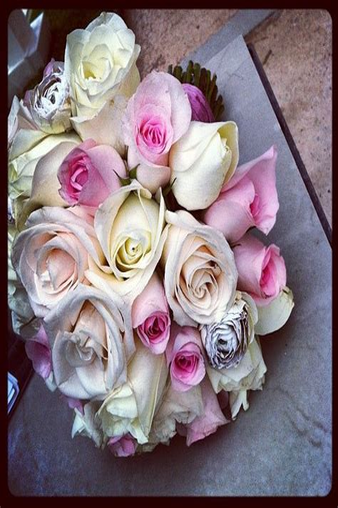 Vintage-RusticWedding-Bouquets