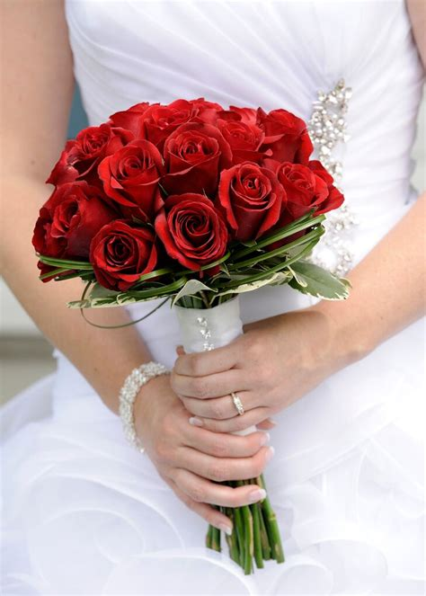 Wedding-Flowers-BouquetRed-Roses