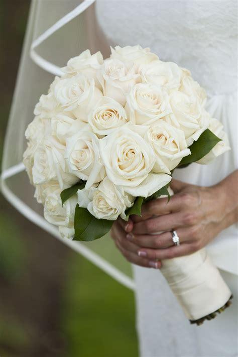 White-RoseBridesmaid-Bouquet