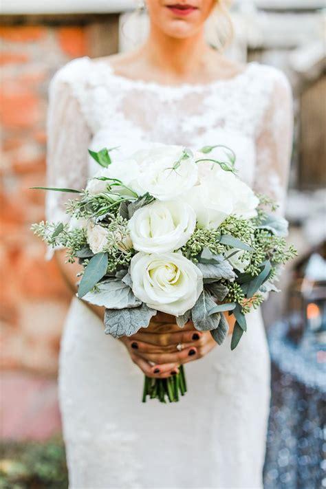 Winter-Wedding-FlowerBouquets