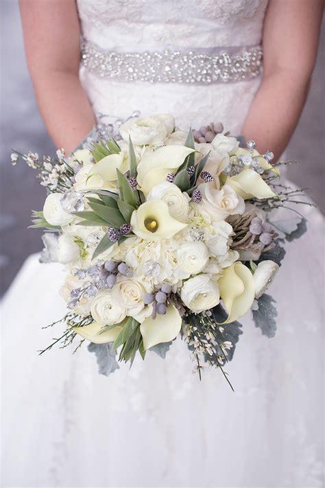 WinterWedding-Flower-Bouquets