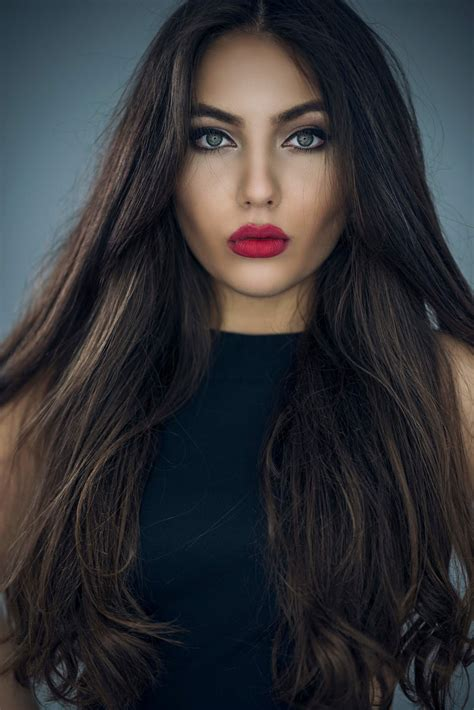 Woman-with-LongThick-Hair