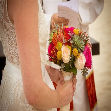 Yellow-RoseWedding-Bouquet